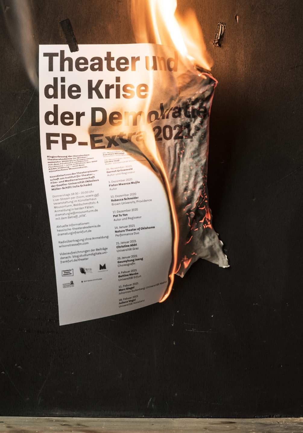 krise-der-demokratie-photo-07-1005x1436px